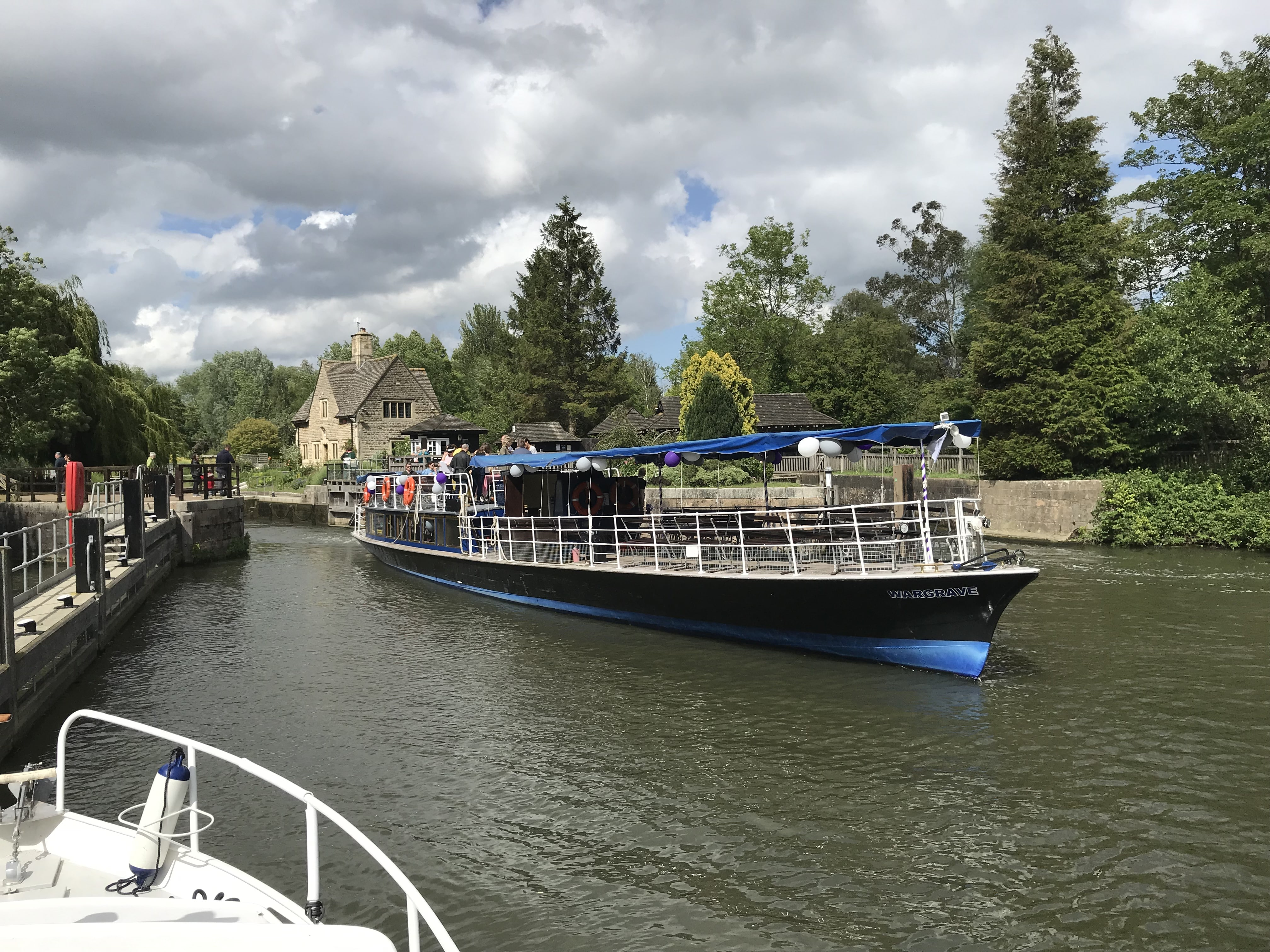 Salters steamer 'Wargrave leaving Iffley Lock' passing by
